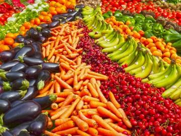 Un estudio lo confirma: comer frutas y verdura te alegra la vida