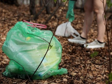 ¿Qué es el plogging y cómo aúna deporte y activismo medioambiental?